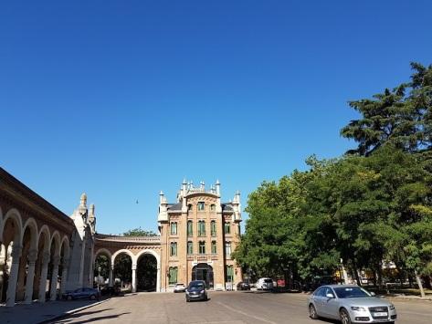 Entrada al cementerio de la Almudena