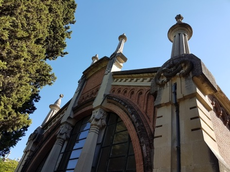 Cementerio Almudena edificio mantenimiento