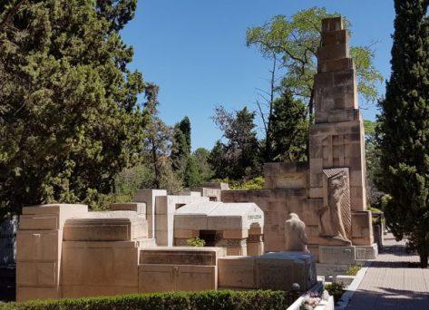 Mausoleo de Pablo Iglesias en el cementerio Civil