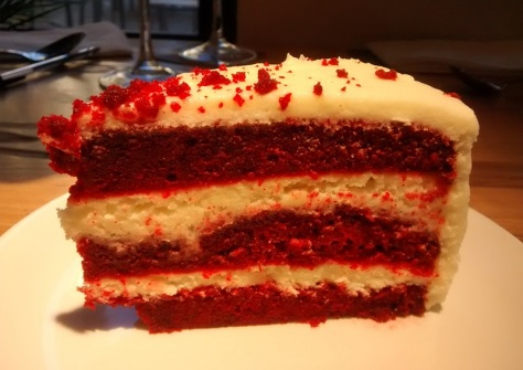 red-velvet-pilla